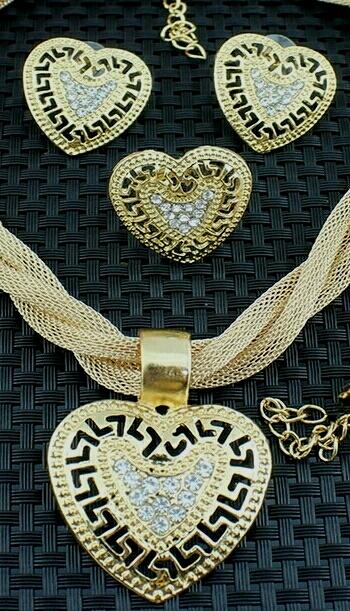 """Комплект от четири части с позлата """"Златно сърце"""""""