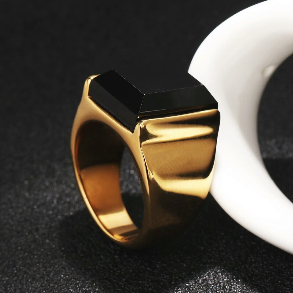 """Мъжки пръстен от стомана с позлата """"Титан"""""""