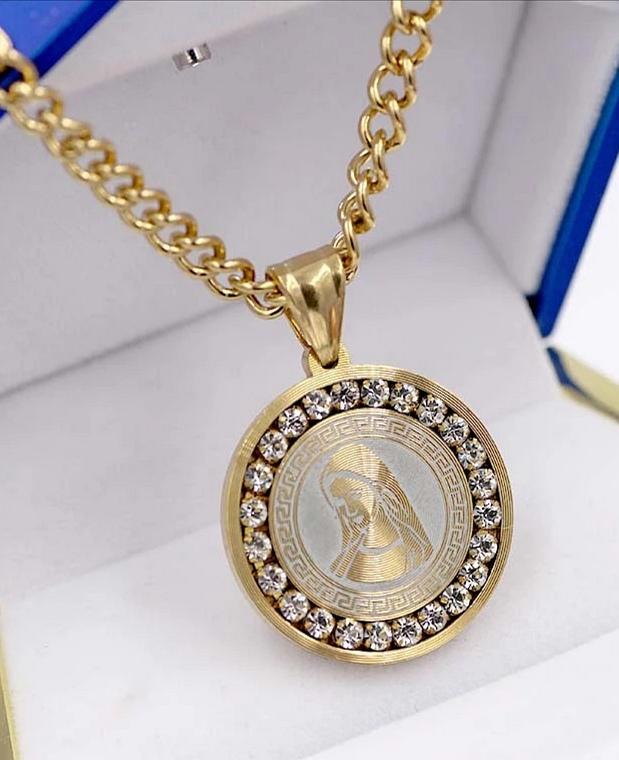 """Медальон от стомана с позлата """"Богородица"""""""